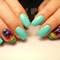 Turquoise nails photo