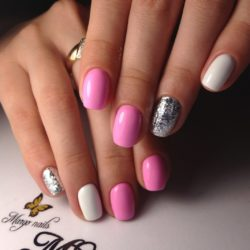 Bright fashion nails photo