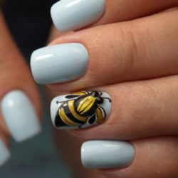 Marine nails photo
