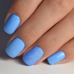 Summer nails to the sea photo
