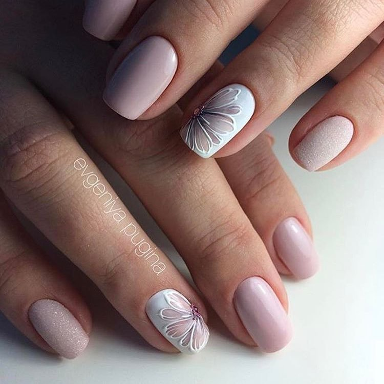 Gentle summer nails