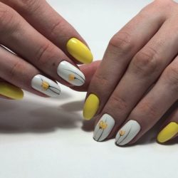 Yellow and white nail designs photo