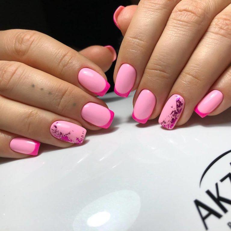 Bright fashion nails