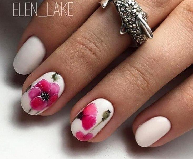 Festive white nails