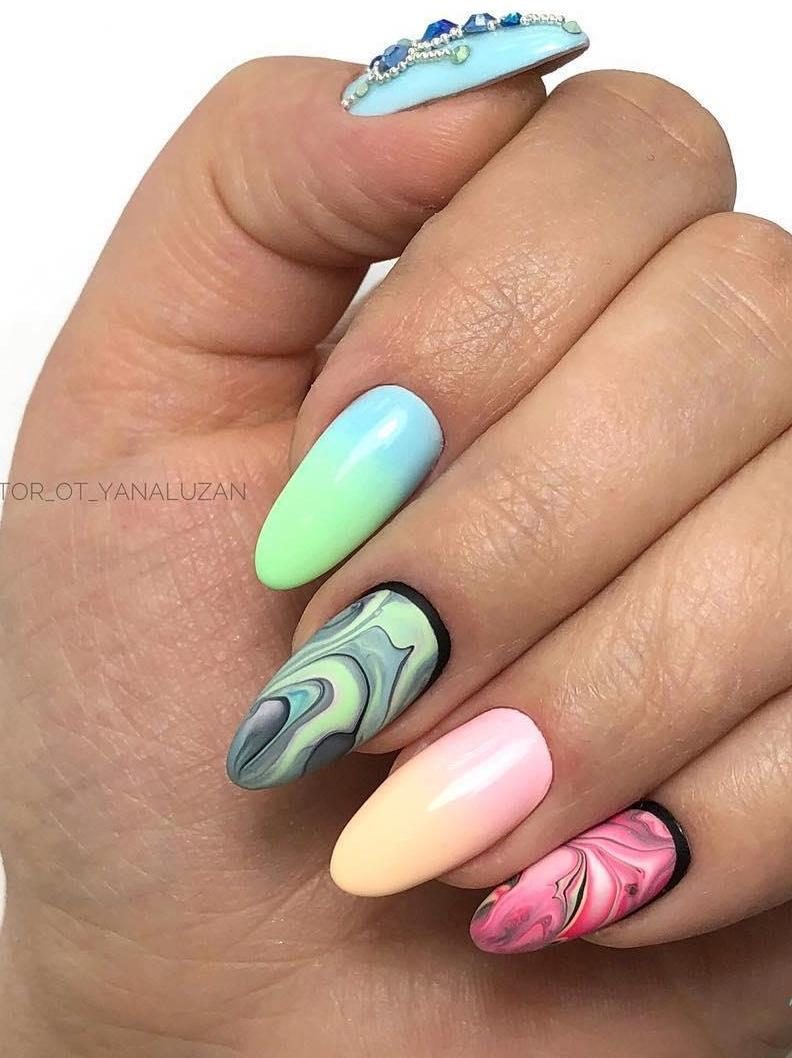Mix match nails