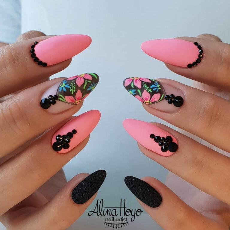 Motley nails