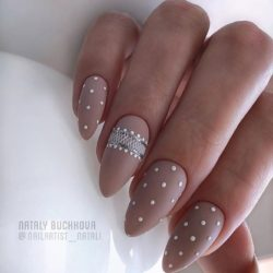 Nude nails photo
