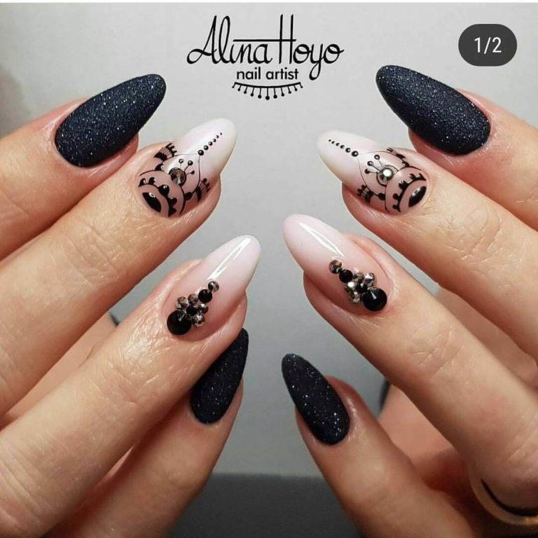Beautiful patterns on nails