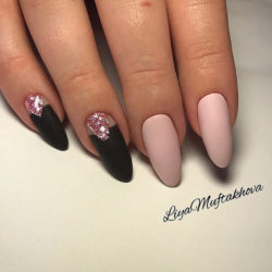 Glitter nails ideas photo