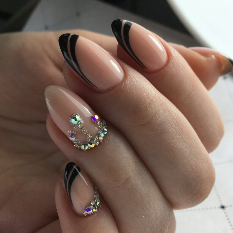 Unusual french manicure