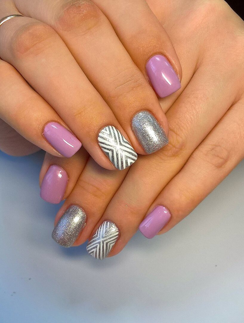 Winter nails with sequins