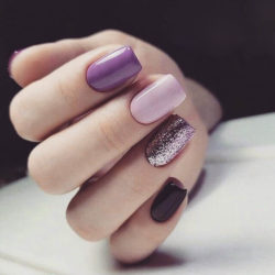 Romantic nails photo