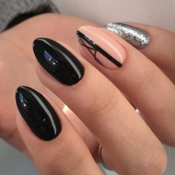 Nail art stripes photo