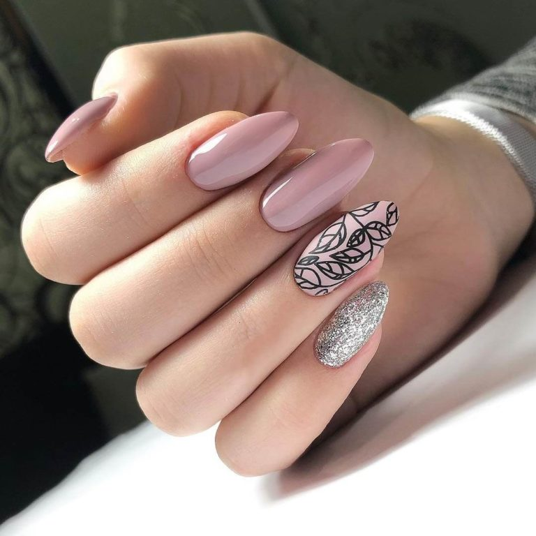 Drawings on nails