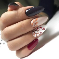 Leaves nails photo