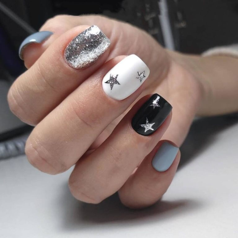 Nails with stars