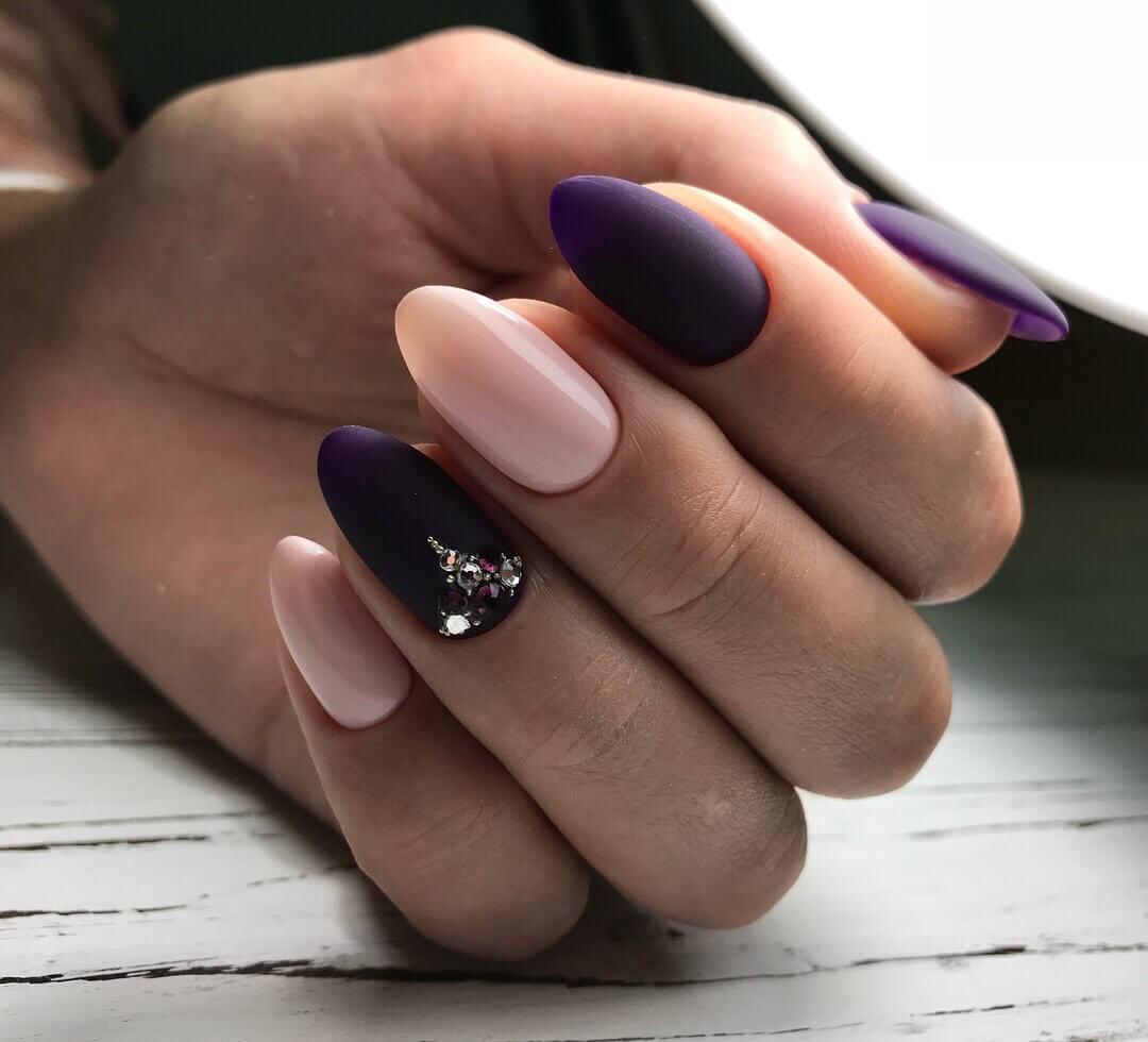 Nailsin violet tones