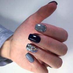 Black gel polish for nails photo