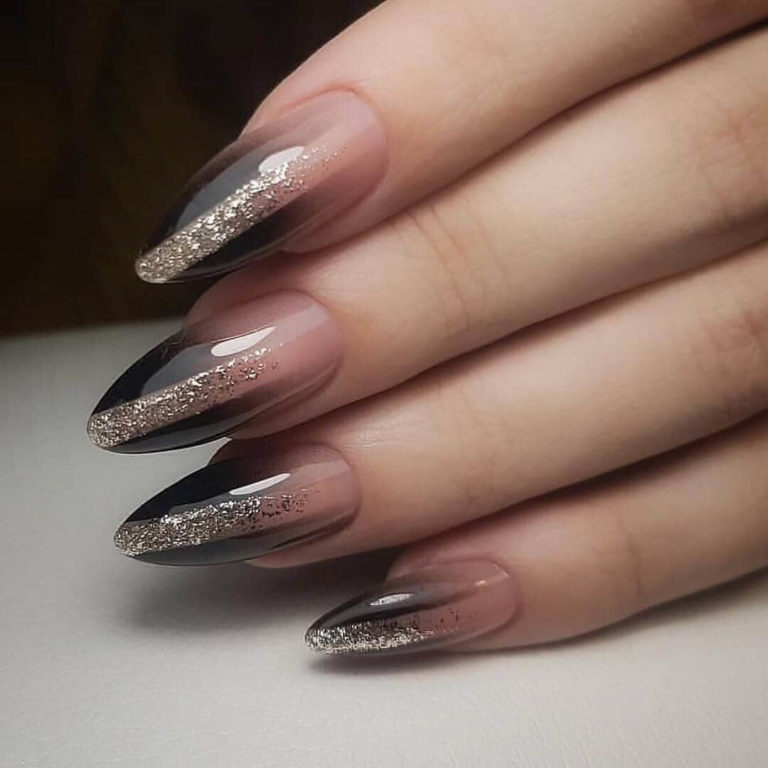 Extraordinary nails