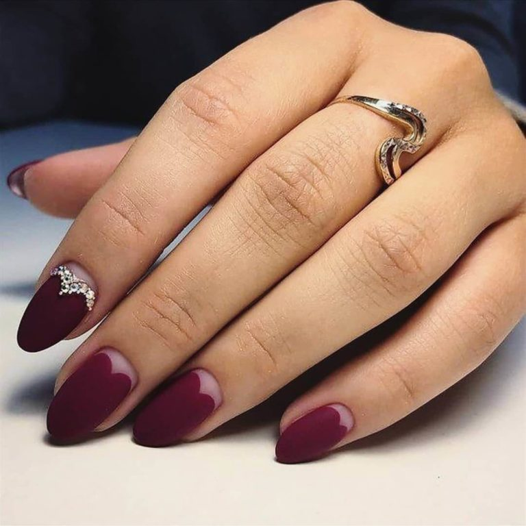 Manicure on the day of lovers