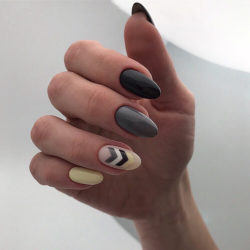 September nails photo